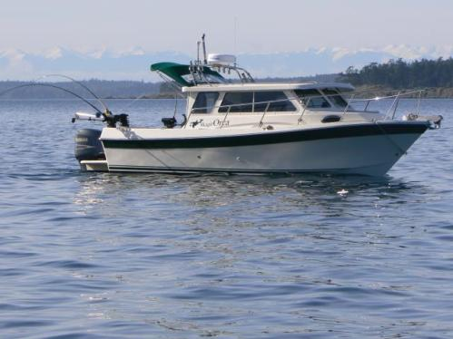D&D Fishing Charter's 24' Skagit Orca fishing boat - Welcome Aboard! We have one of the nicest and newest boats in these waters.